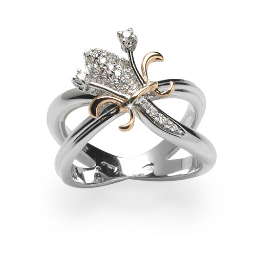 Daring diamond lily flower ring
